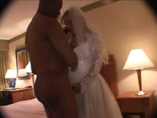Негр трахает девушку на свадьбе